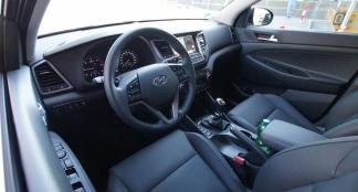 Hyundai tucson 2 0 crdi 185 4wd tests for Interieur hyundai tucson