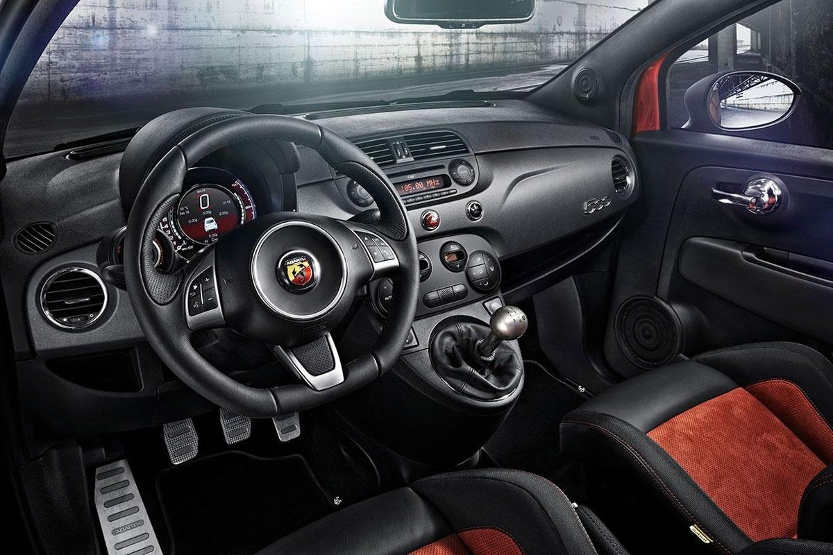Car Picker Abarth 500 Interior Images