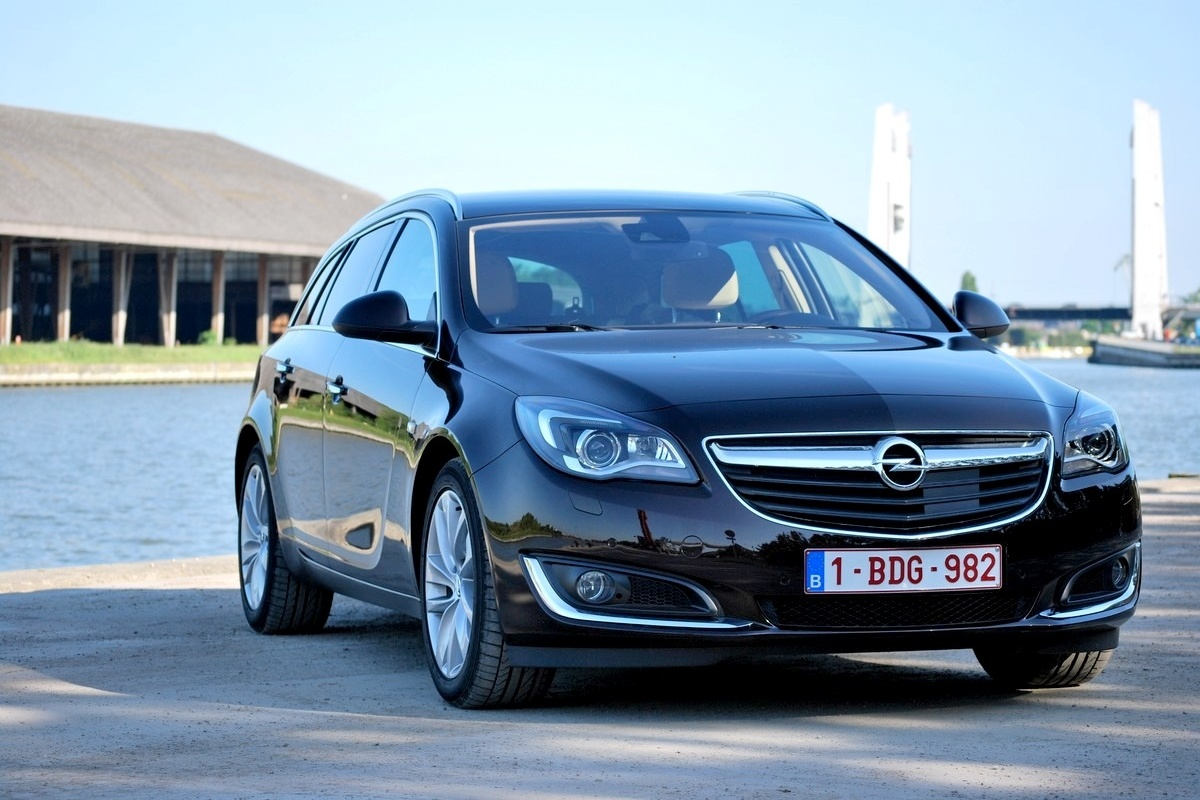 Opel Insignia Sports Tourer 2 0 Cdti Test Auto55 Be Tests