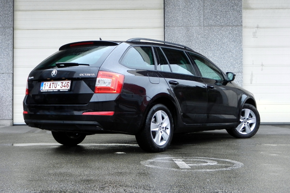 wegtest skoda octavia combi 1 6 crtdi 105 tests. Black Bedroom Furniture Sets. Home Design Ideas