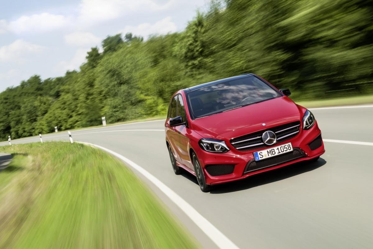 Mercedes Wapent B Klasse Tegen Bmw 2 Active Tourer Auto55 Be Nieuws