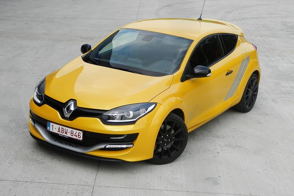 renault m gane rs trophy 275 tests. Black Bedroom Furniture Sets. Home Design Ideas