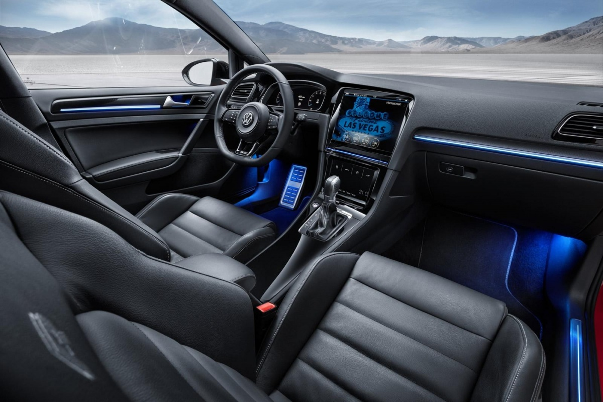 Golf r touch concept toont vw interieur van de toekomst for Interieur golf 7