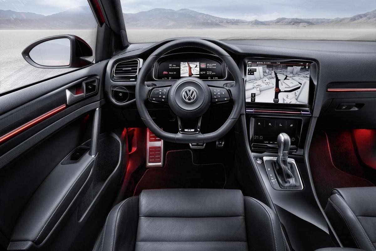Un norme cran domine l int rieur de la golf vii auto55 for Interieur golf 7