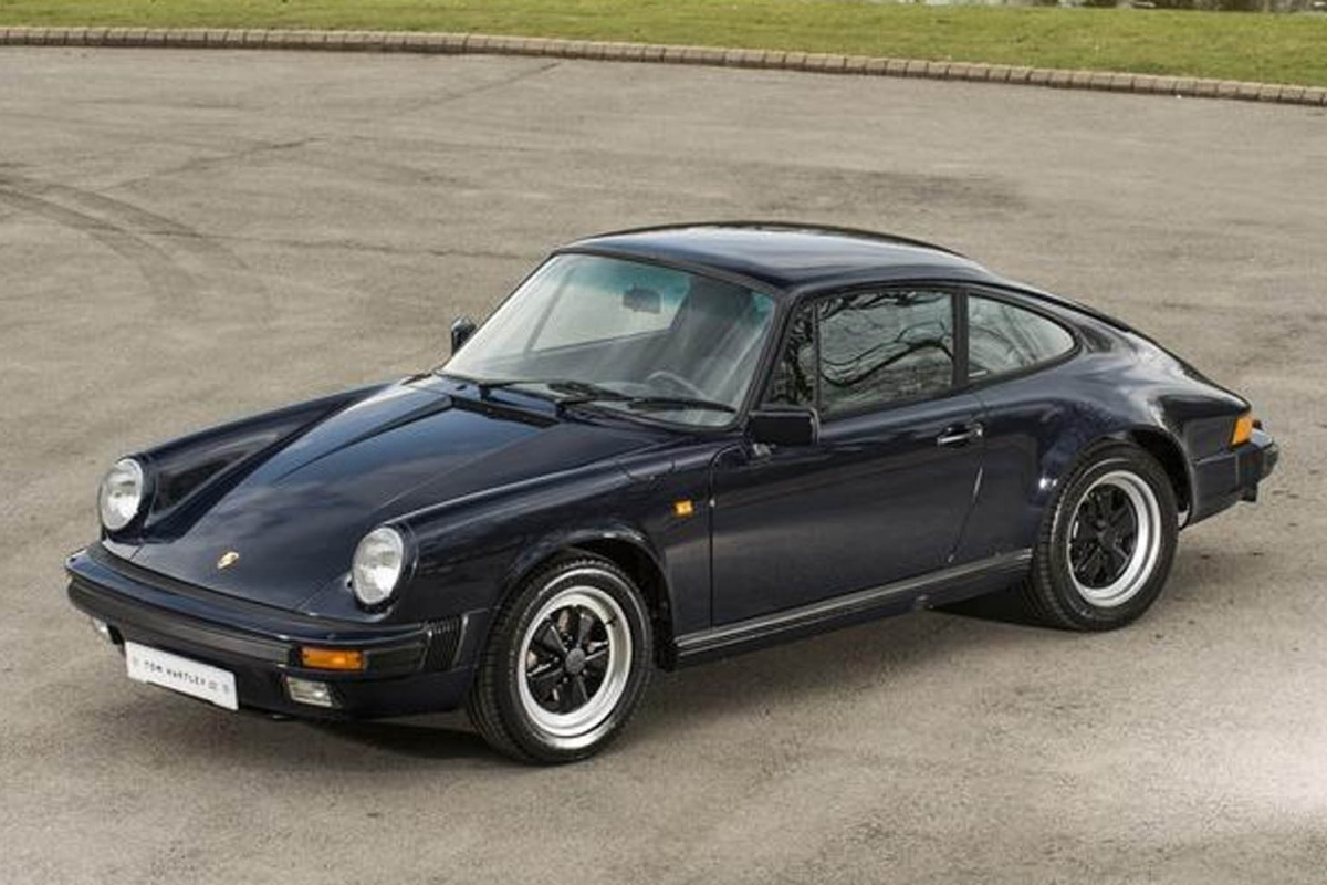 une porsche 911 neuve de 1988 pour actualit. Black Bedroom Furniture Sets. Home Design Ideas