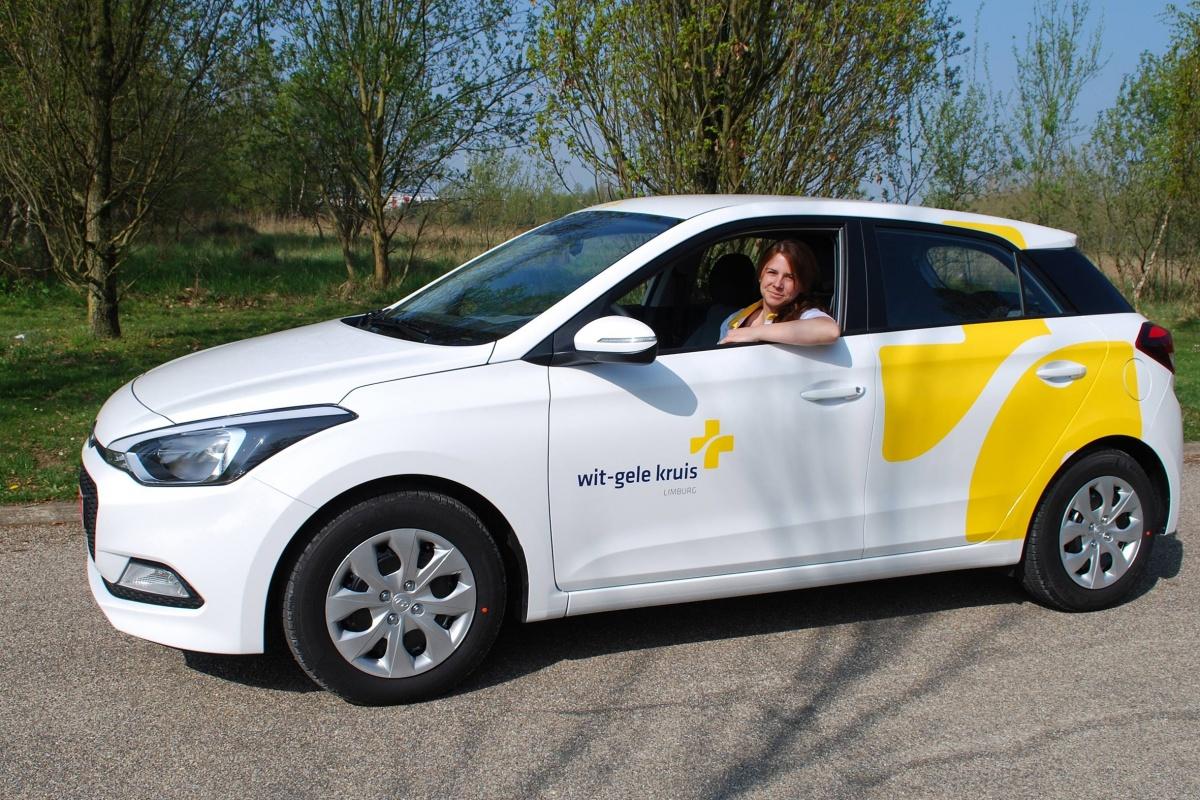 Al 1000 Hyundai I20 Voor Wit Gele Kruis Auto55 Be Nieuws