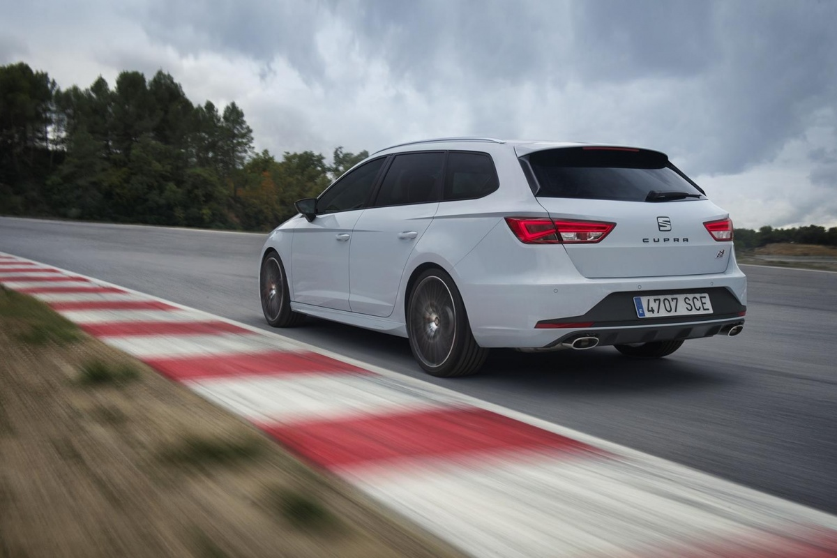 seat leon cupra st is snelste break ooit rond nurburgring nieuws. Black Bedroom Furniture Sets. Home Design Ideas