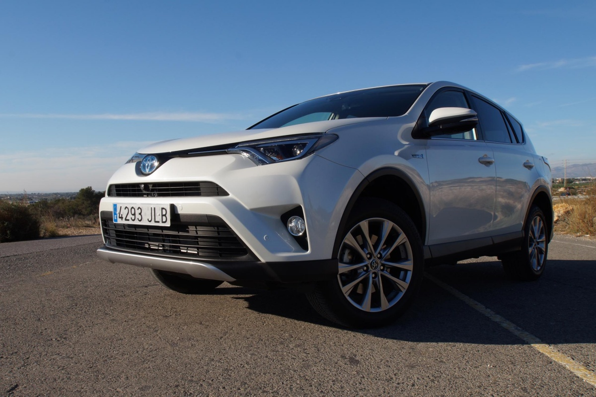 toyota rav4 hybrid test tests. Black Bedroom Furniture Sets. Home Design Ideas