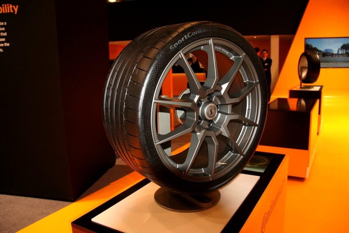 continental sportcontact 6 le pneu d di aux sportives. Black Bedroom Furniture Sets. Home Design Ideas