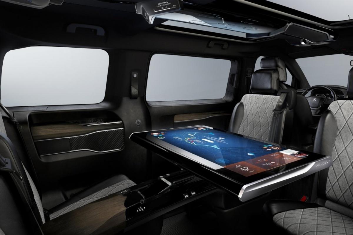 De Peugeot Traveller Wordt Geen Dertien In Een Dozijnbus