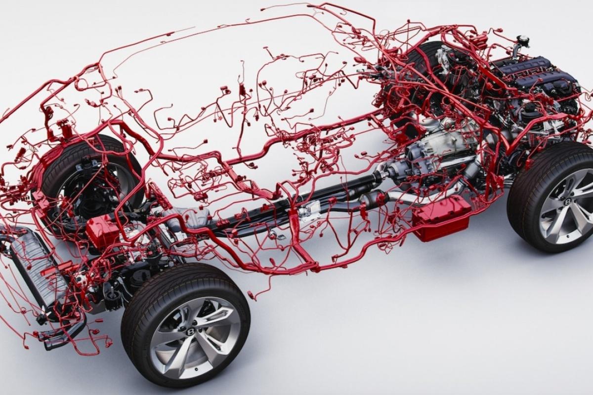 Le C U00e2blage D U0026 39 Une Bentley Bentayga Est Plut U00f4t Bizarre