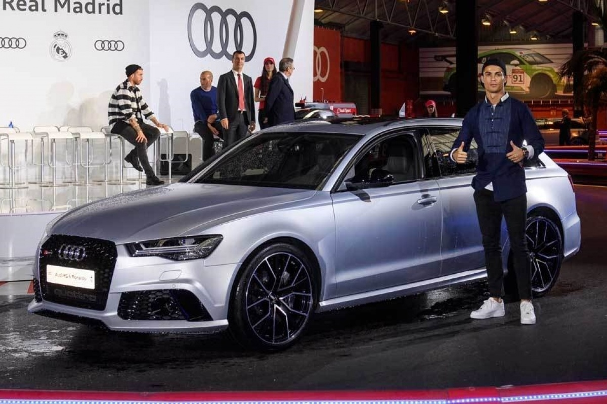 Cristiano Ronaldo Audi Rs Performance
