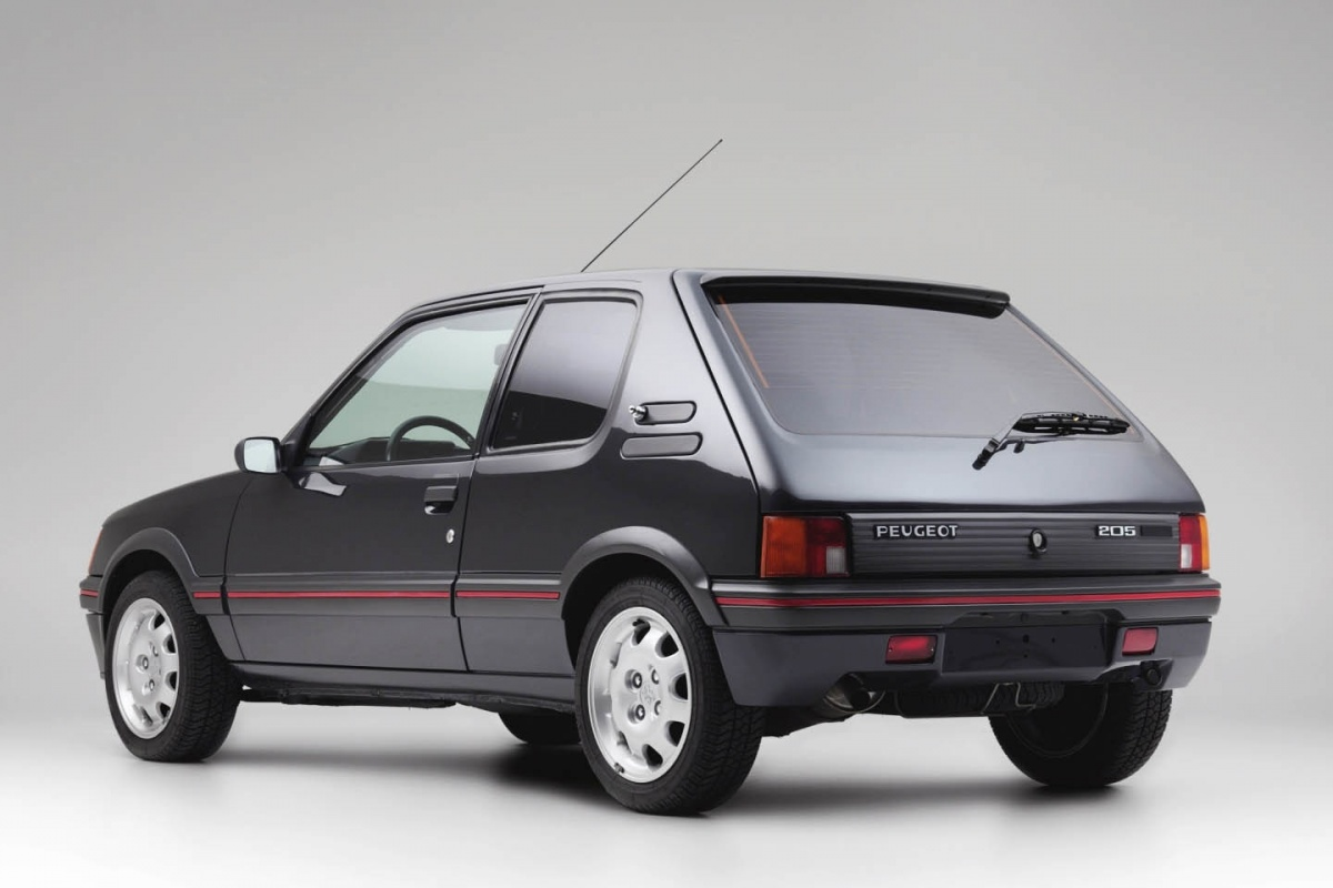 la peugeot 205 gti blind e ex bernard arnault est vendre actualit. Black Bedroom Furniture Sets. Home Design Ideas