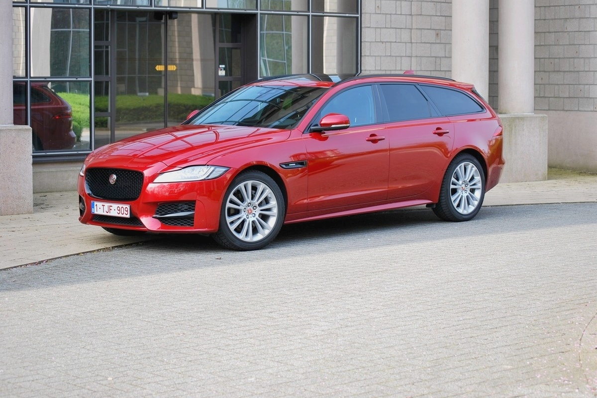 jaguar xf sportbrake 25d awd l 39 essai essais. Black Bedroom Furniture Sets. Home Design Ideas