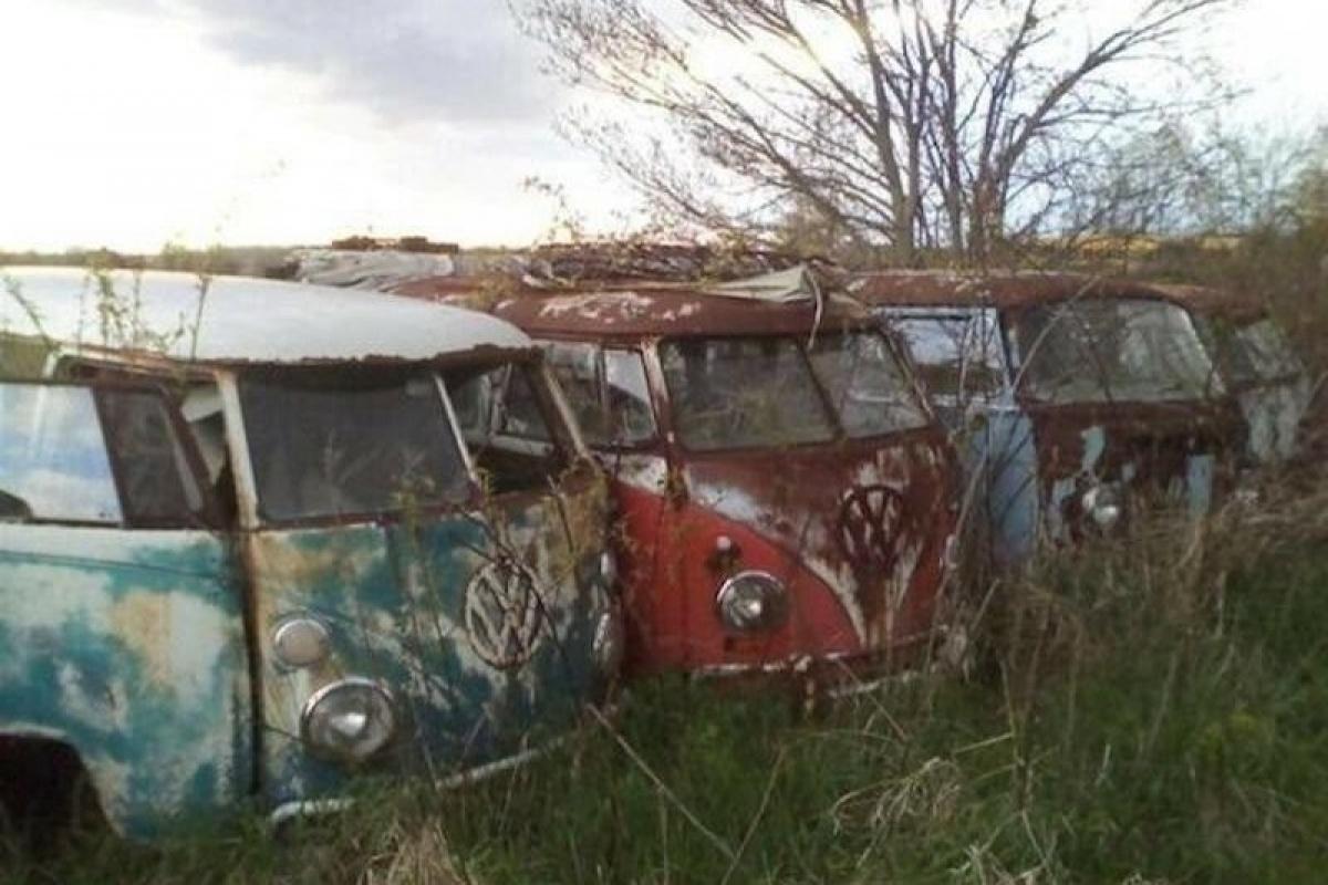 Oude Vloeren Kopen : Oude vw bus kopen deze handelaar heeft er te koop auto be