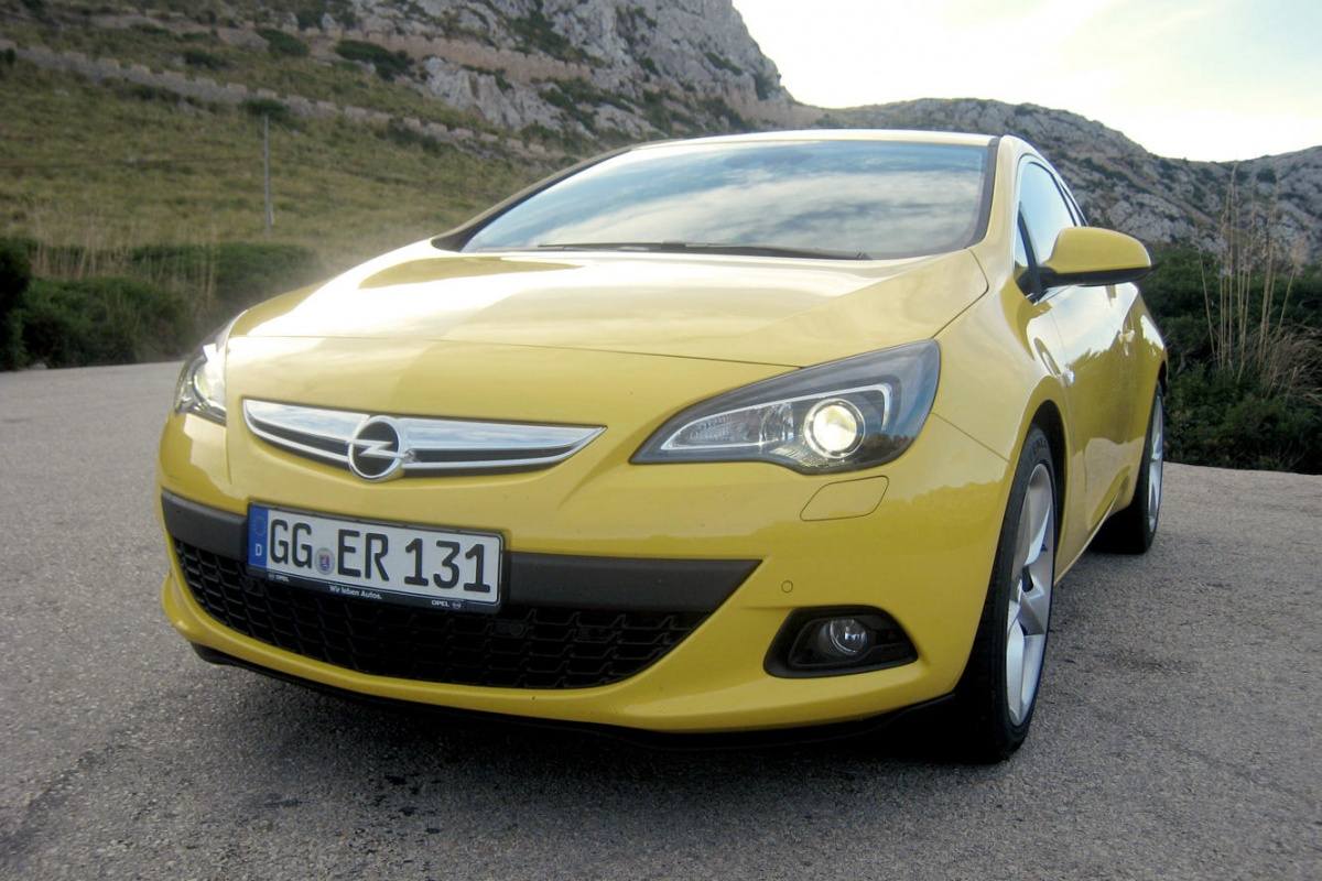 opel astra gtc 1 6 turbo tests. Black Bedroom Furniture Sets. Home Design Ideas