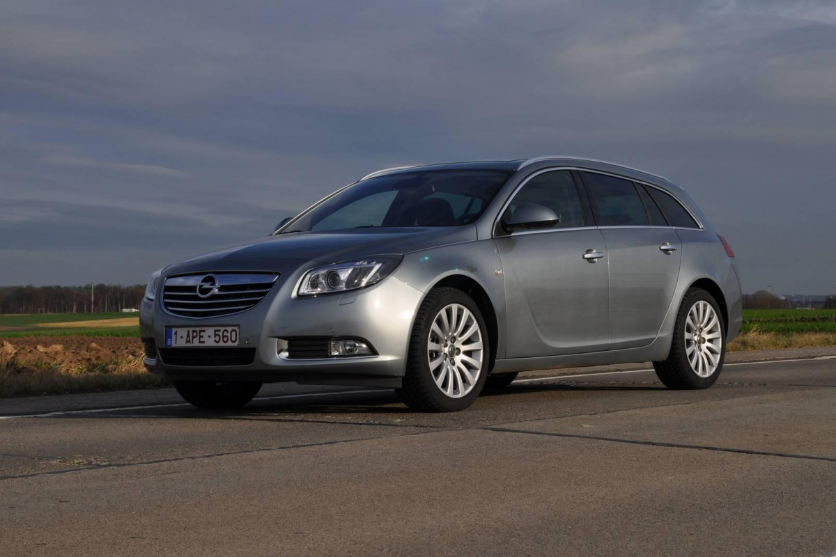 opel insignia sports tourer 1 4 ecoflex tests. Black Bedroom Furniture Sets. Home Design Ideas