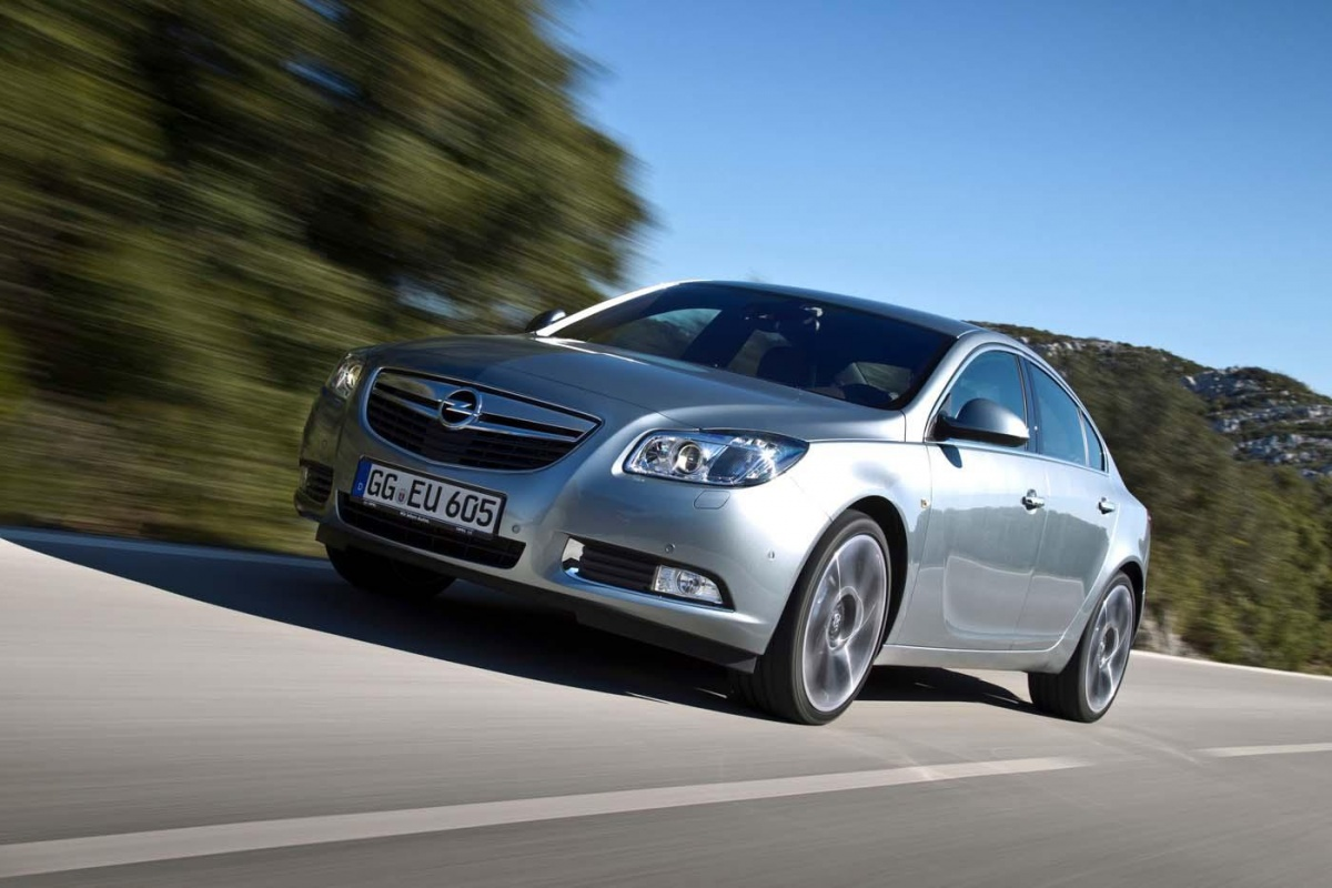 opel insignia biturbo 4x4 supersport tests. Black Bedroom Furniture Sets. Home Design Ideas