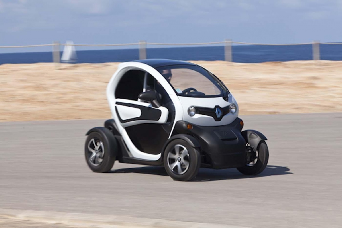 renault twizy 80 tests. Black Bedroom Furniture Sets. Home Design Ideas