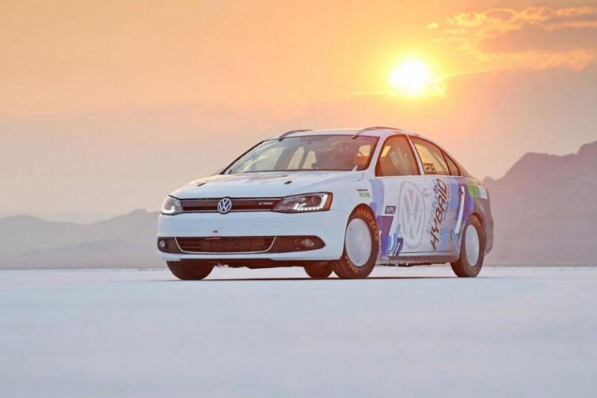 VW Jetta Hybrid R&D