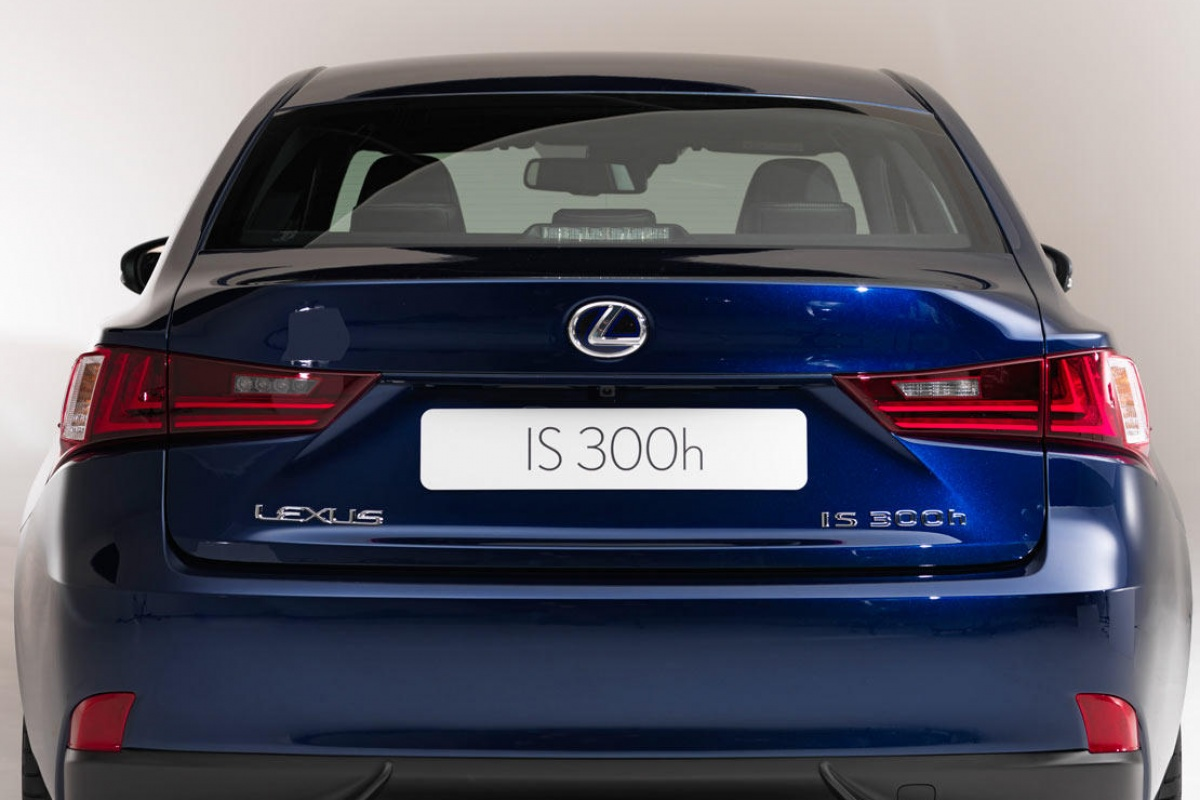 Lexus IS300h MY2013