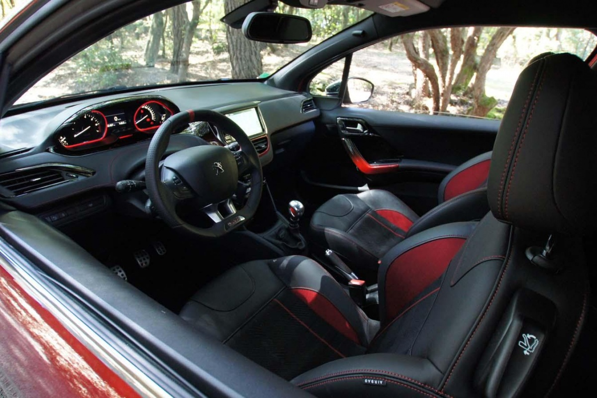 peugeot 208 gti tests. Black Bedroom Furniture Sets. Home Design Ideas
