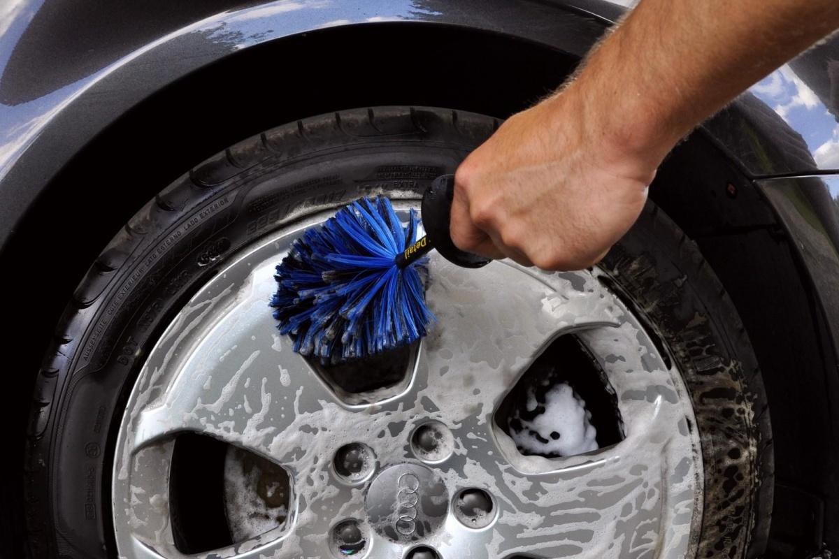 5 les roues comment bien laver sa voiture for Bien laver sa voiture