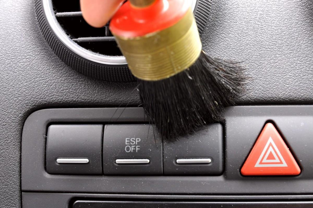 17 grondig interieur was je auto als een pro auto55 for Interieur reinigen auto