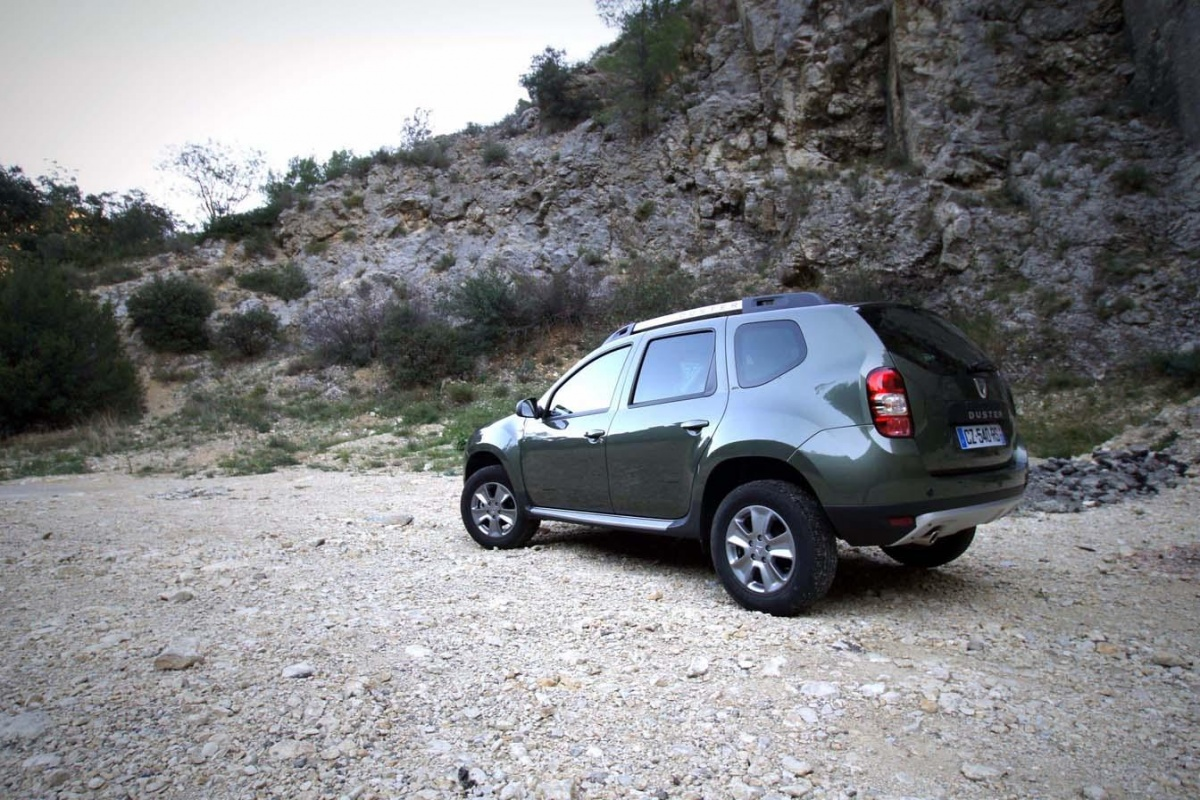 dacia duster 1 5 dci 110 video tests. Black Bedroom Furniture Sets. Home Design Ideas