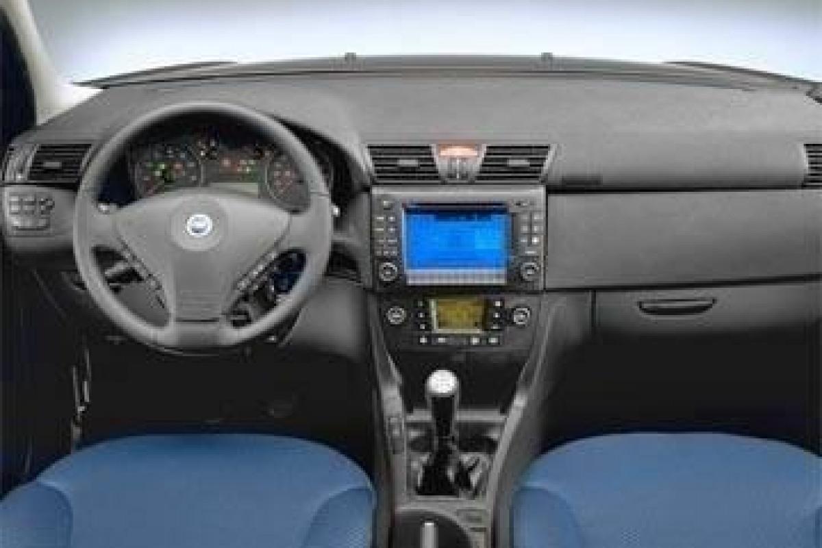 Fiat stilo sw de derde variant nieuws for Fiat punto 1 interieur