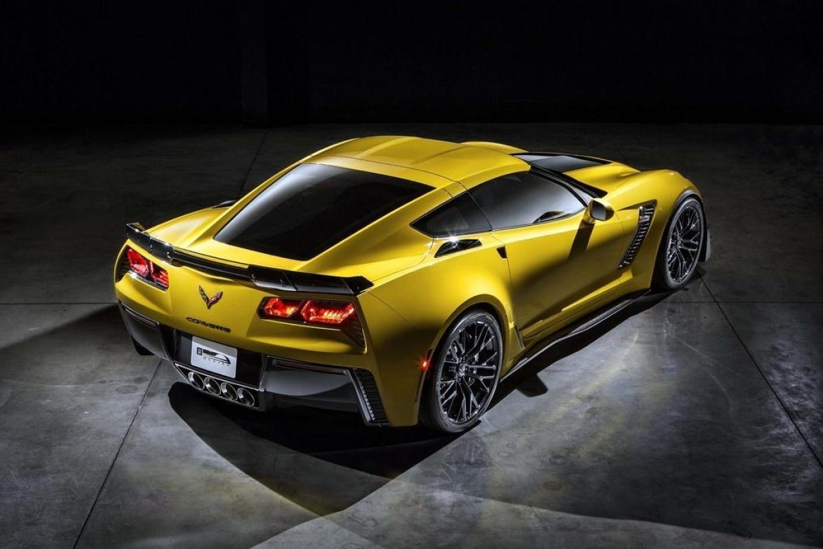Corvette Z06 / C7.R preview