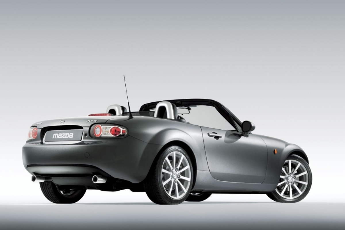 mazda mx 5 nc. Black Bedroom Furniture Sets. Home Design Ideas