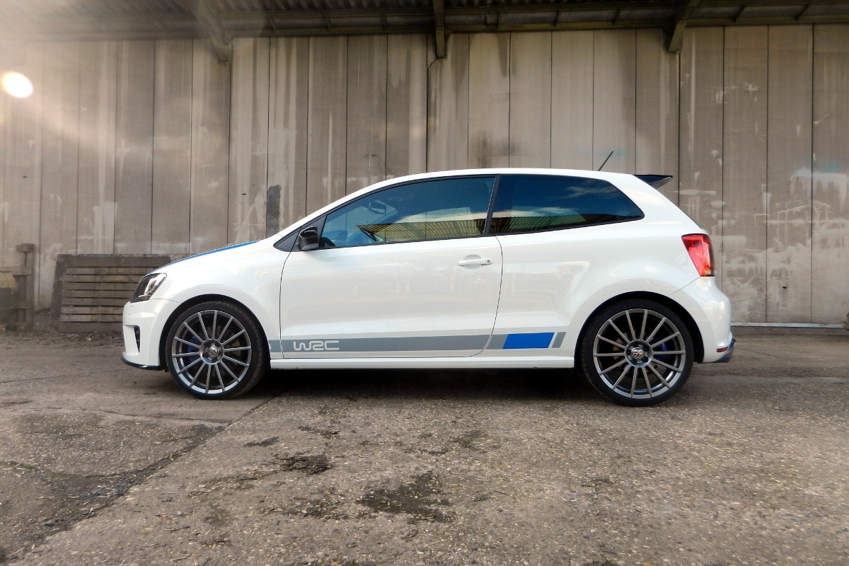 VW Polo R WRC Street test | Auto55.be | Tests