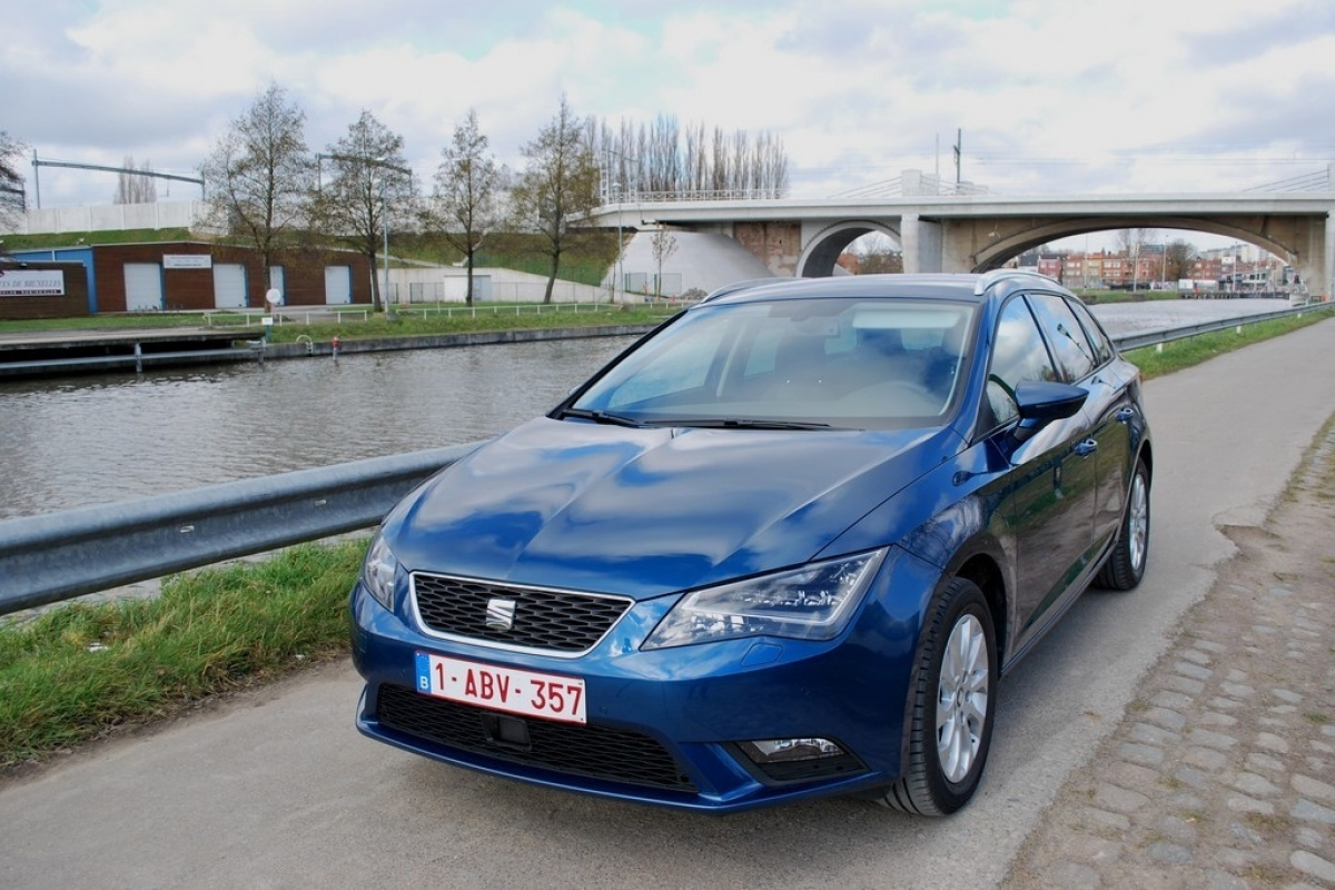 seat leon st style 1 6 tdi 105 tests. Black Bedroom Furniture Sets. Home Design Ideas