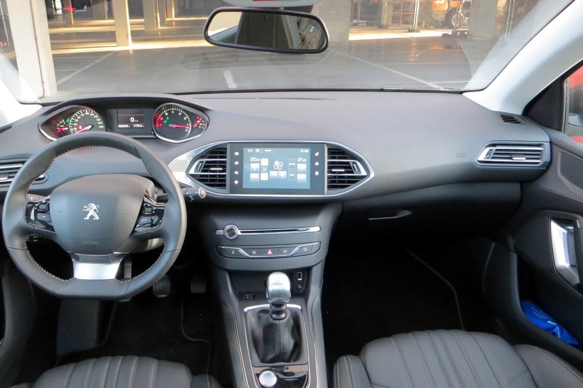 Peugeot 308 1 6 thp test tests for Interieur 308