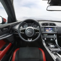 la nouvelle jaguar xe en premi re avec prix actualit. Black Bedroom Furniture Sets. Home Design Ideas