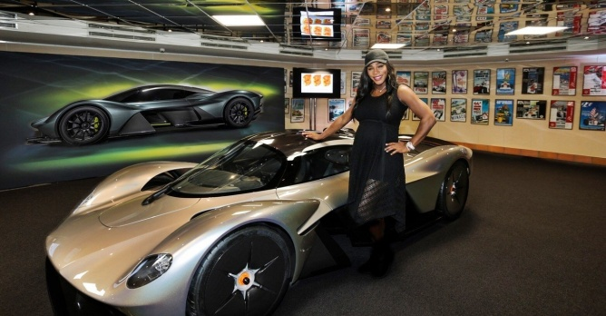 aston martin valkyrie un rapport poids puissance inf rieur 1 1 actualit. Black Bedroom Furniture Sets. Home Design Ideas