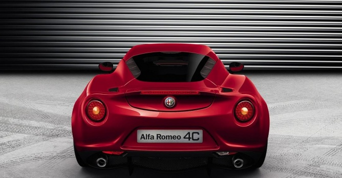 alfa romeo 4c competizione heeft 240pk nieuws. Black Bedroom Furniture Sets. Home Design Ideas