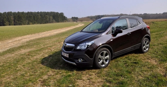 opel mokka 1 4 turbo 4x4 tests. Black Bedroom Furniture Sets. Home Design Ideas