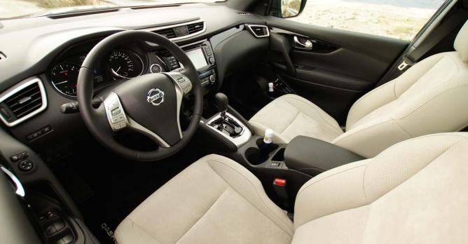 Nissan qashqai 1 6 dci xtronic test tests Interieur qashqai 2014
