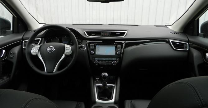 Nissan qashqai 1 5 dci tekna test tests Interieur qashqai 2014